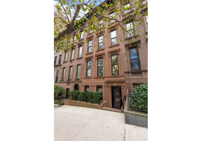 Perfect Family Townhouse in Carnegie Hill